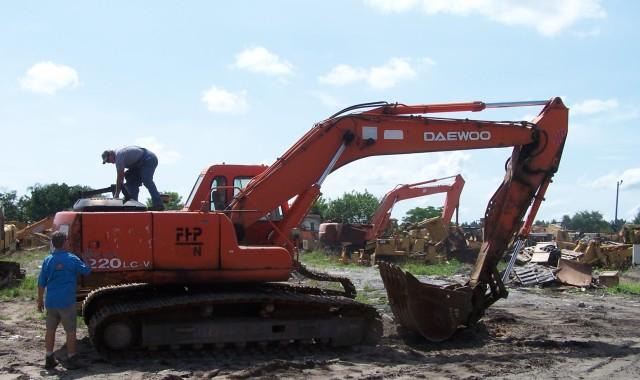 Daewoo 220LC-V Parts