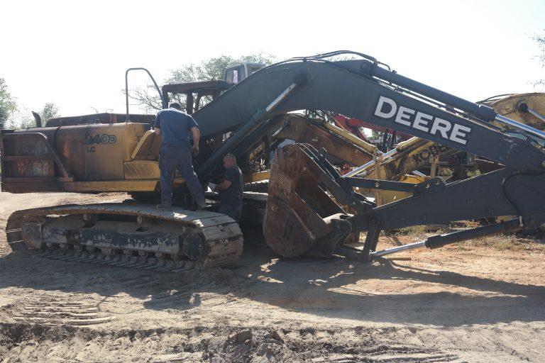John Deere 240DLC Parts