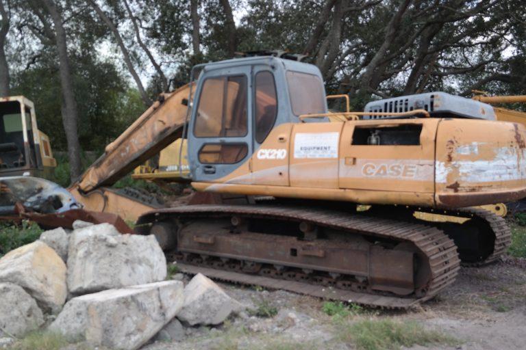 Case CX210 Parts