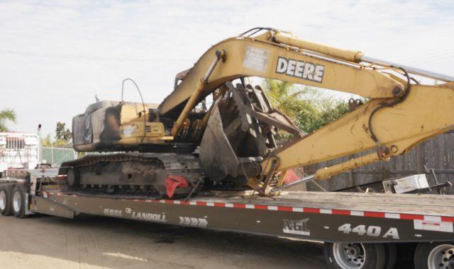 John Deere 200LC Parts